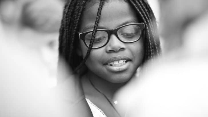 L'importance de surveiller la vue et l'audition de l'enfant dès son plus jeune âge