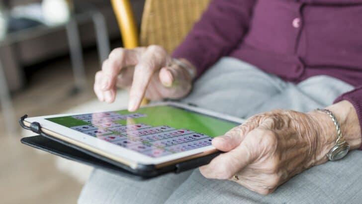Les seniors, une population captivée par le numérique
