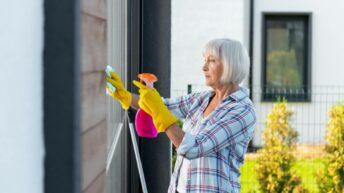 Senior: nos conseils pour garder l'intérieur de votre maison propre