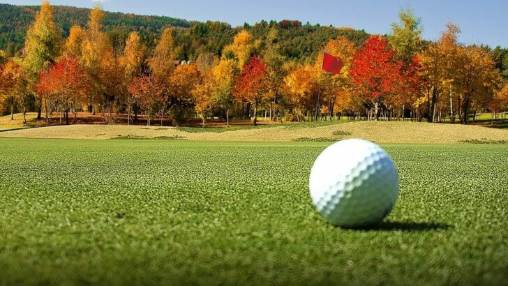 Balle de golf connectée : la balle de golf avec puce gps pour suivre ses progrès