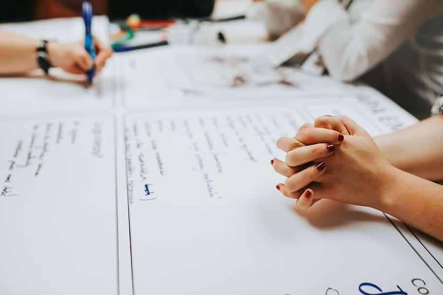 séance de brainstorming pour définir les besoins