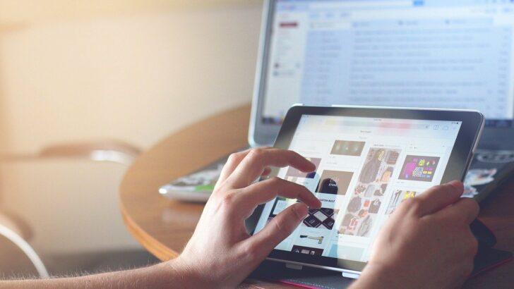Quelle est l'importance d'un écran vitrine pour un commerce?