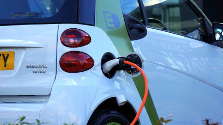 Quels sont les avantages et les inconvénients des voitures electriques?