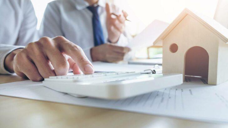 Comment sortir du surendettement avec le rachat de crédit ?